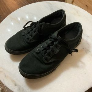 Vans black low tops laced sneakers size 7
